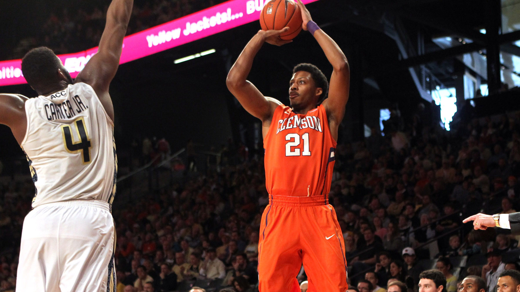 Clemson Comes From Behind to Beat Georgia Tech, 63-55