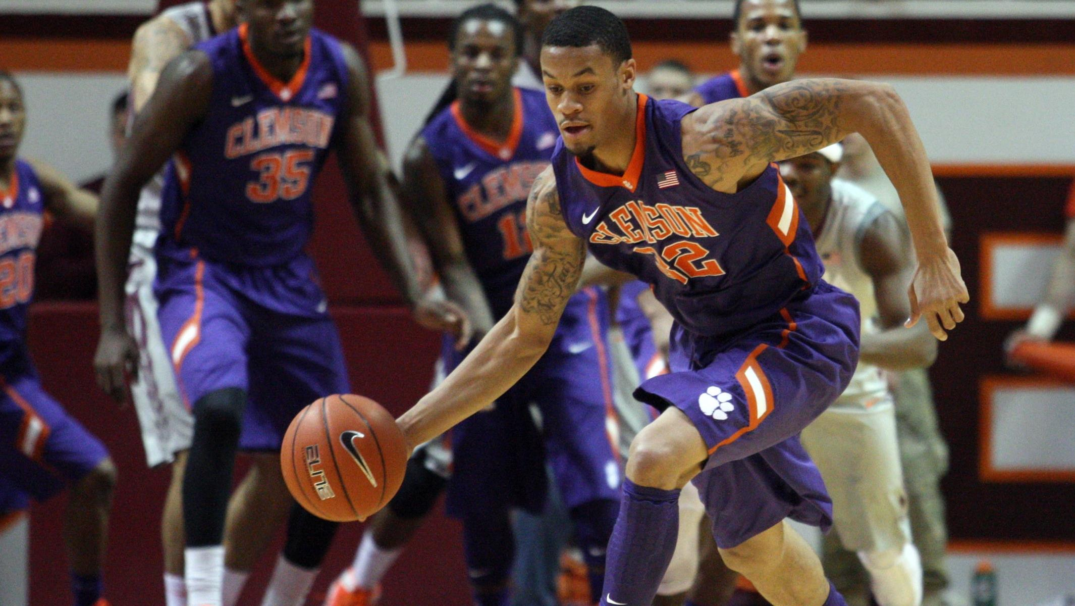 Clemson Nabs Third ACC Road Win, Beats Florida State 53-49 in Tallahassee
