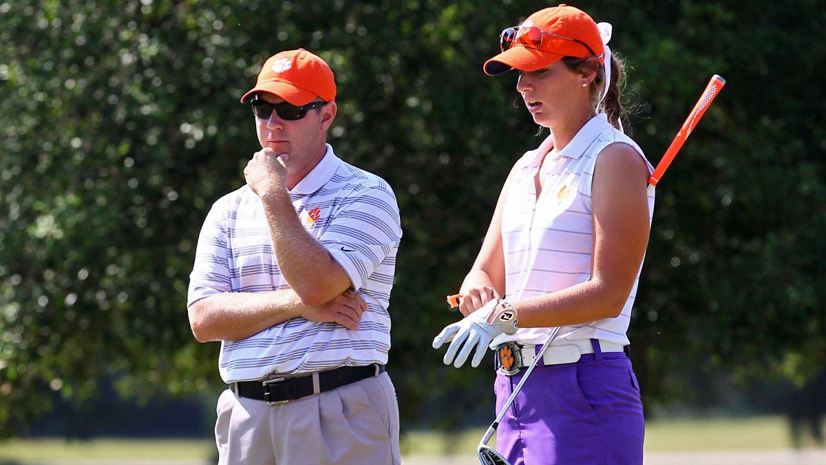 Women's Golf Cracks Top 10