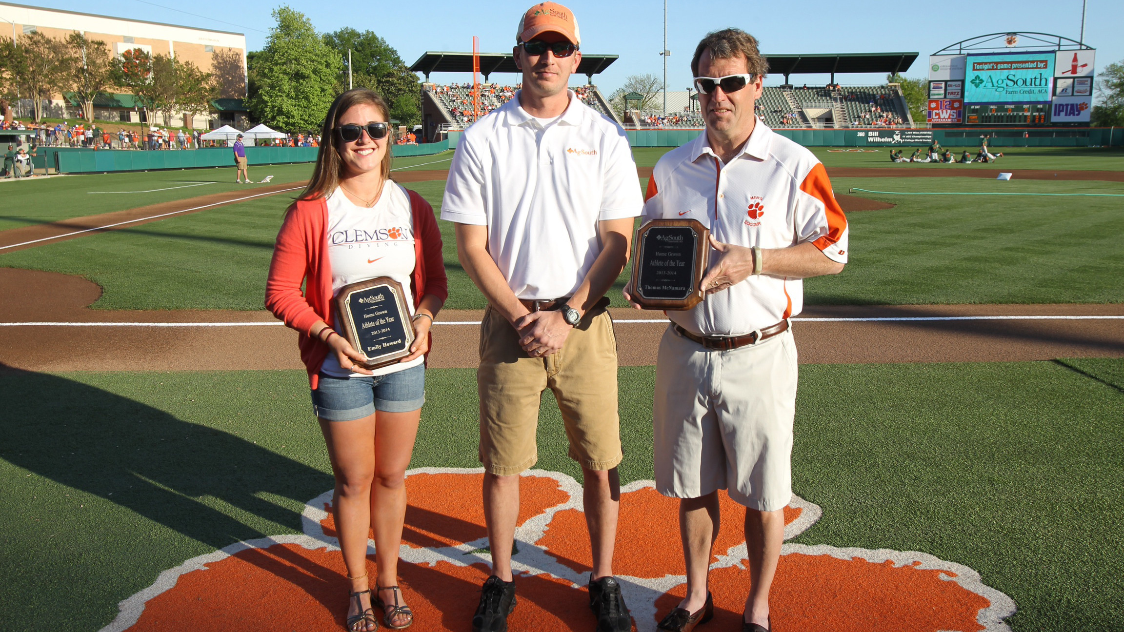 Howard & McNamara Named AgSouth Student-Athletes of the Year