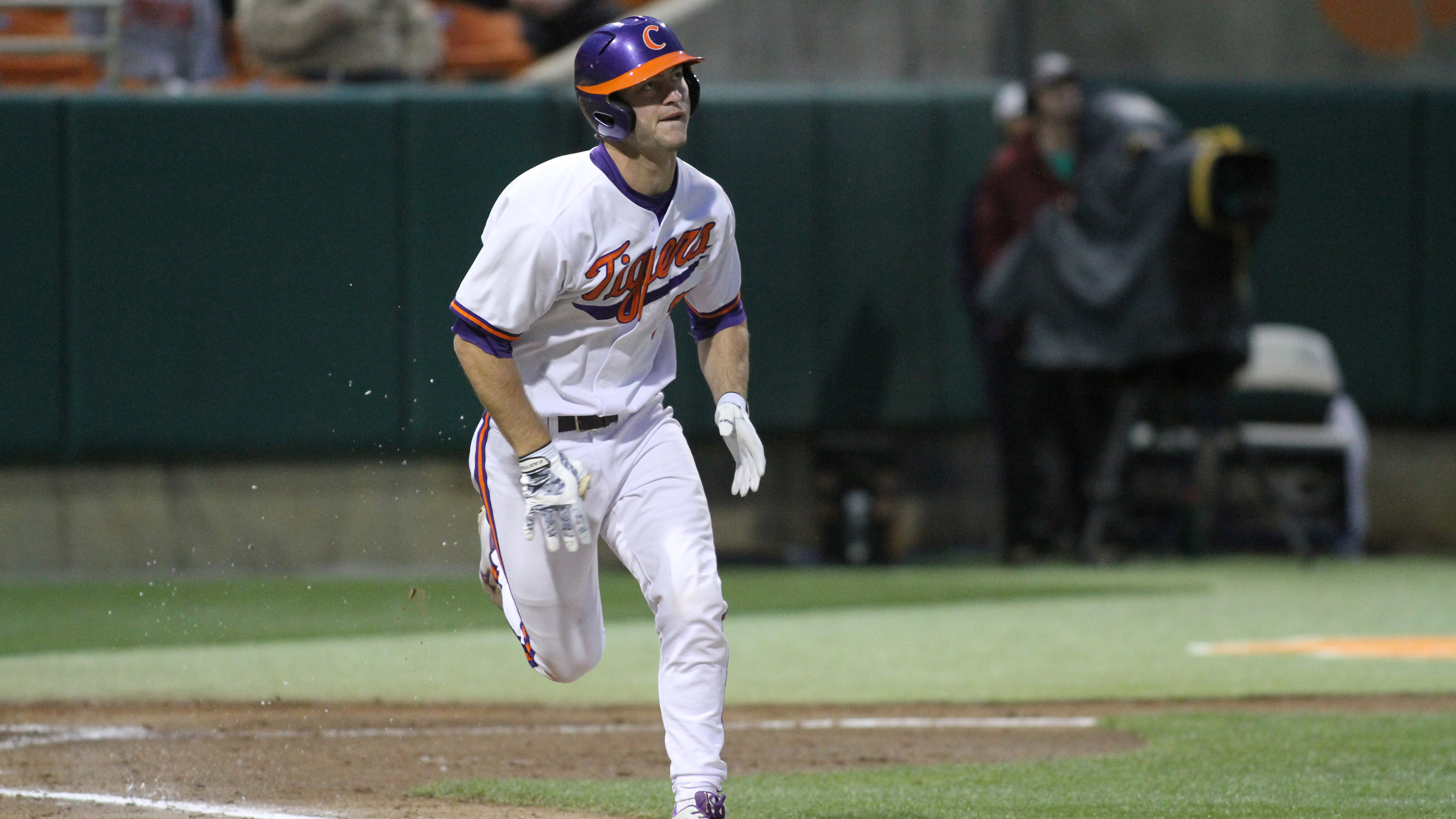 Bulldogs Strike Early to Top No. 14 Tigers 6-2 Tuesday