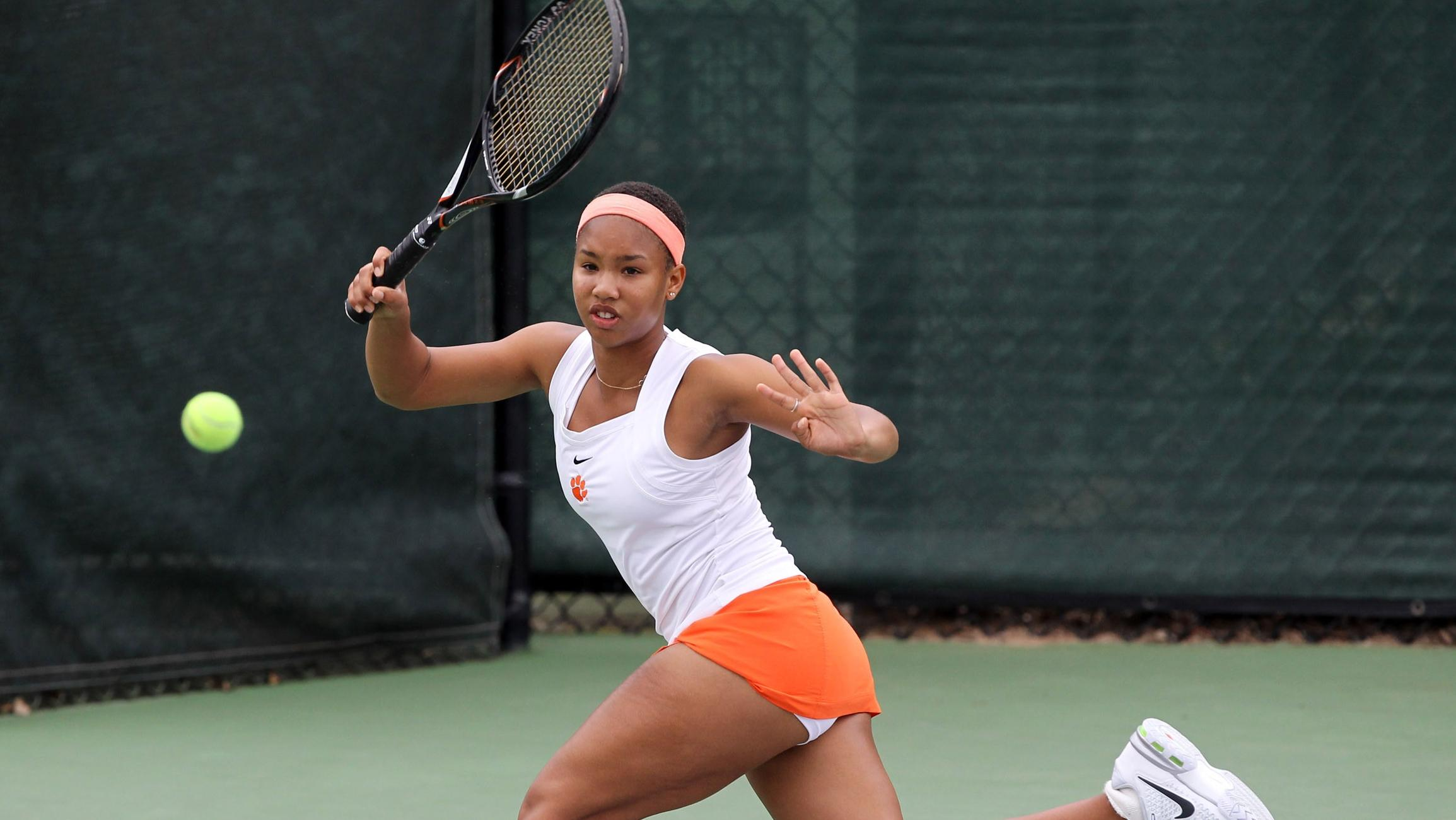 Clemson Returns Home, Breezes Past Seminoles 7-0