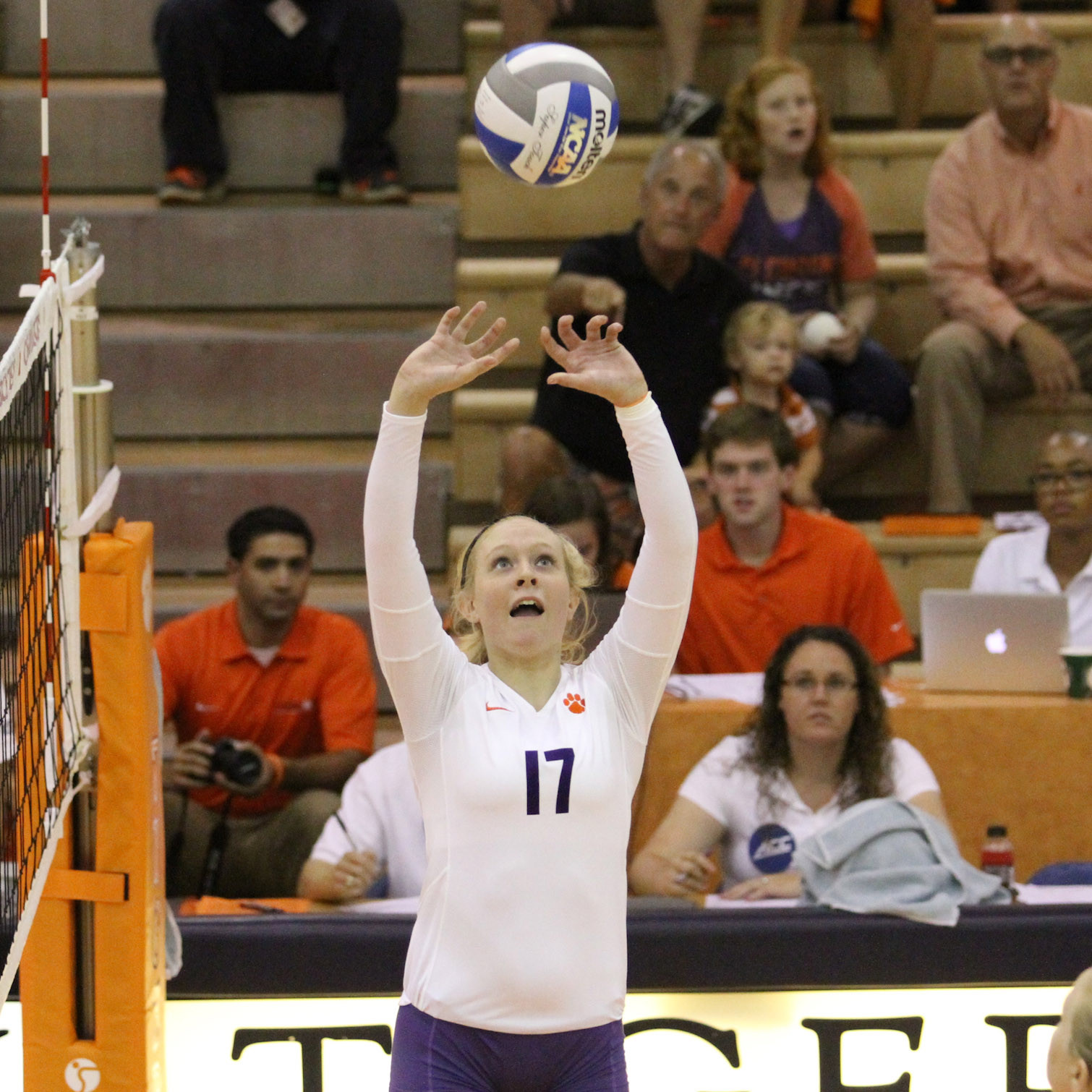 Tigers Drop Three-Setter to #21 Duke