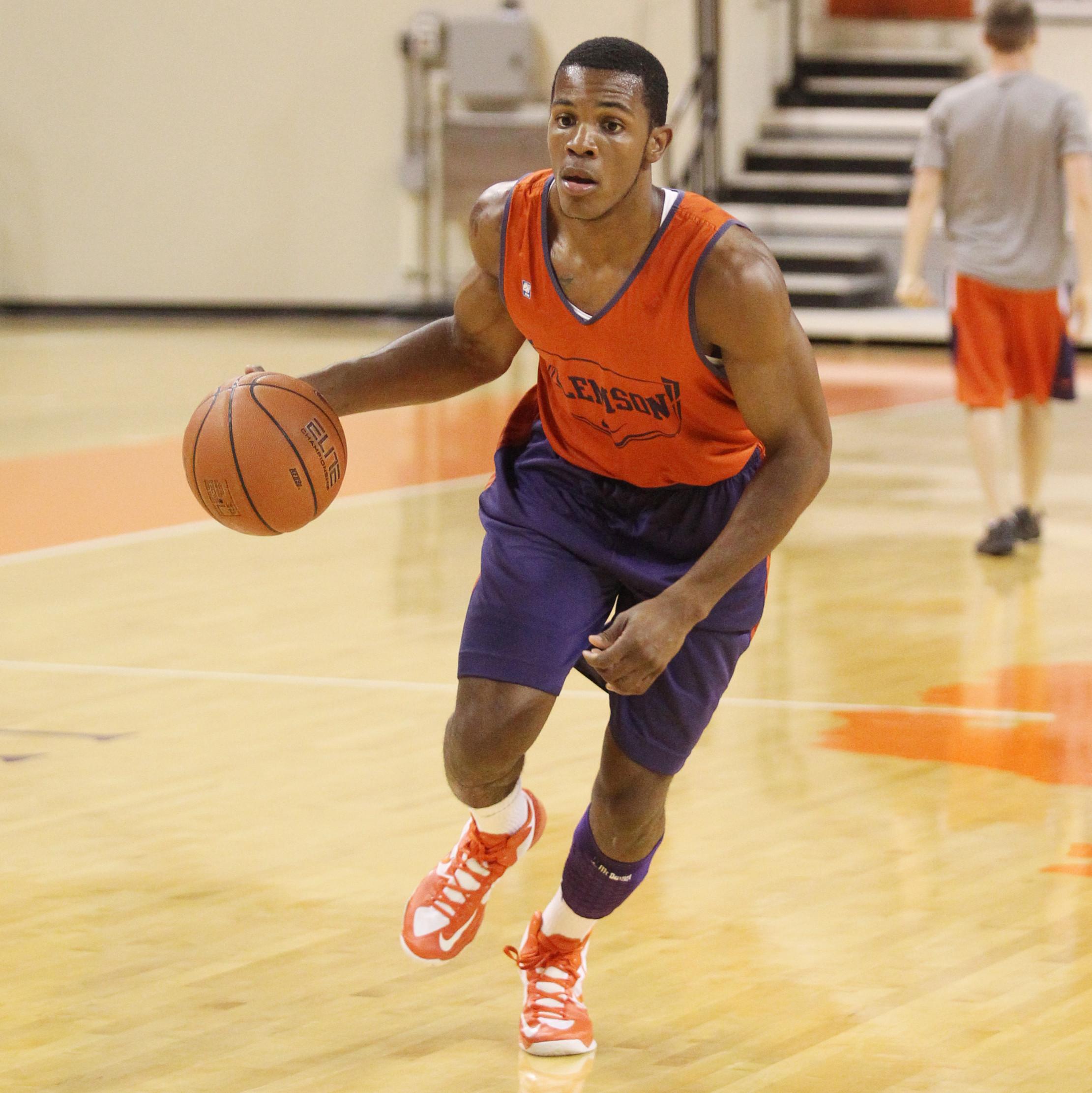 Men's Basketball Practice Report Oct. 5
