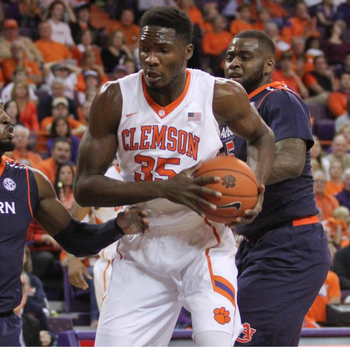Tigers Take on No. 5 Louisville Wednesday