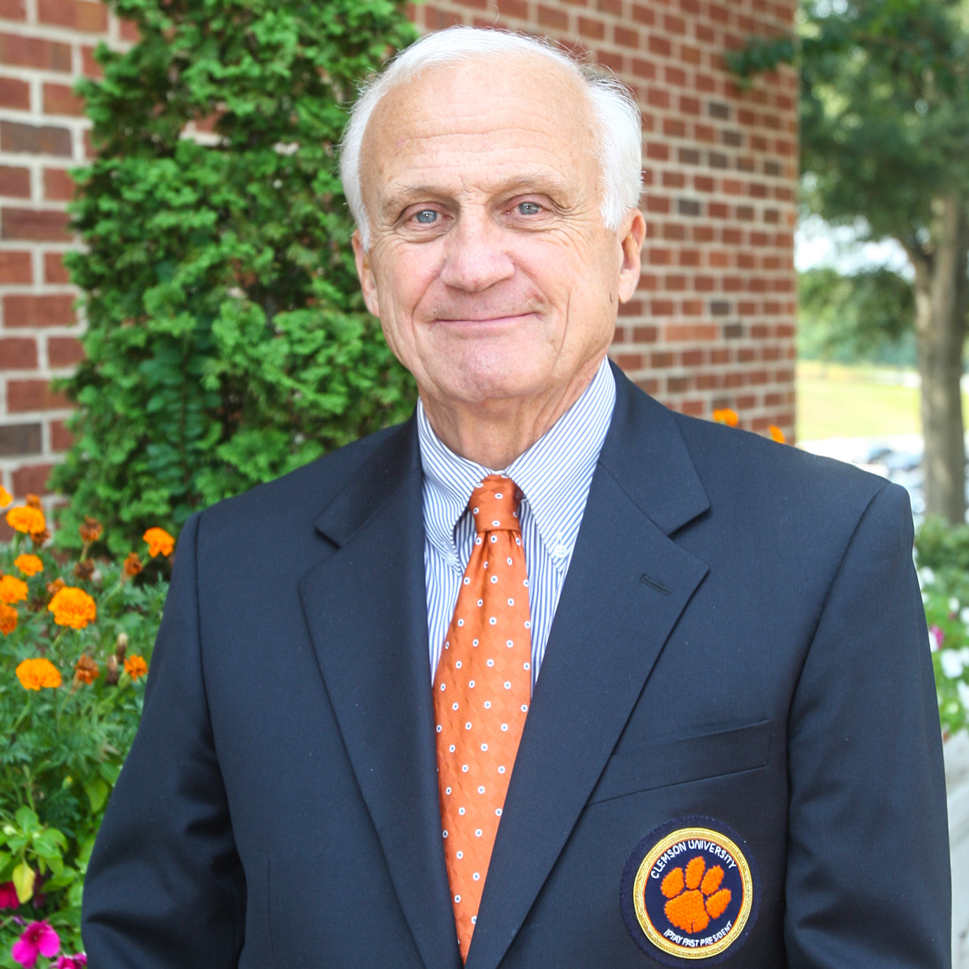 Clemson Mourns Death of Charlie Bussey