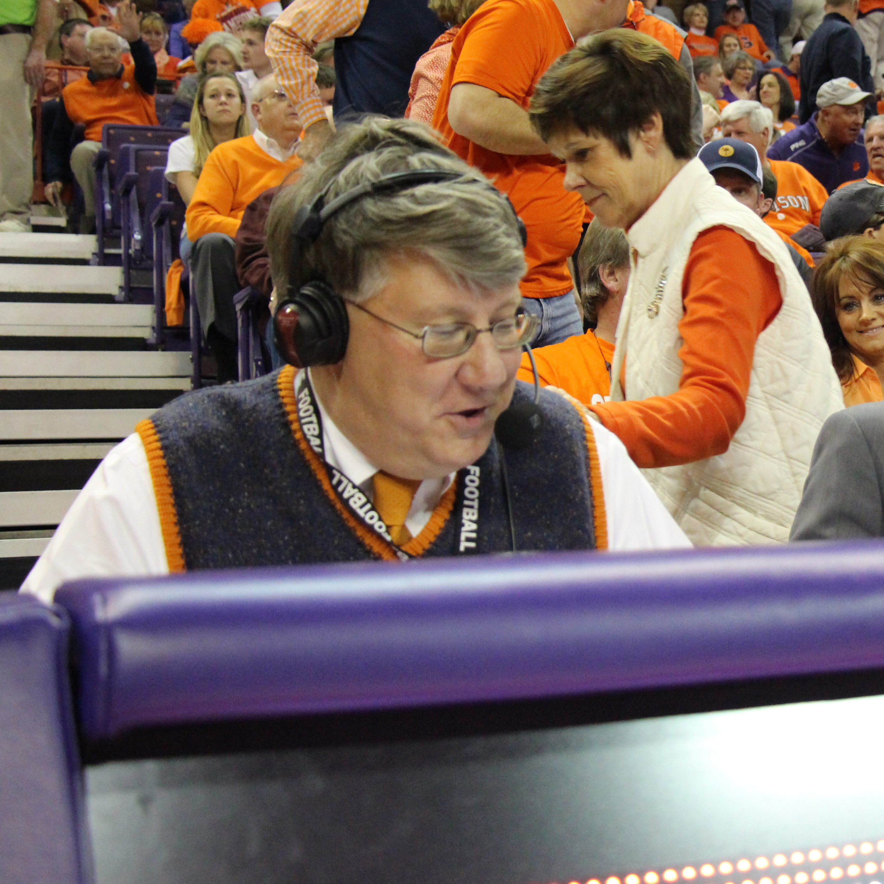 Bourret to Broadcast 1,000th Game