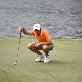 Clemson in Fifth Place after First Round of Carpet Capital Collegiate