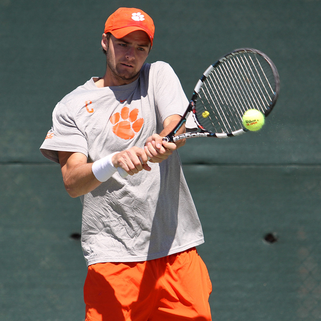 Clemson Falls to No. 23 Louisville 5-2 Sunday