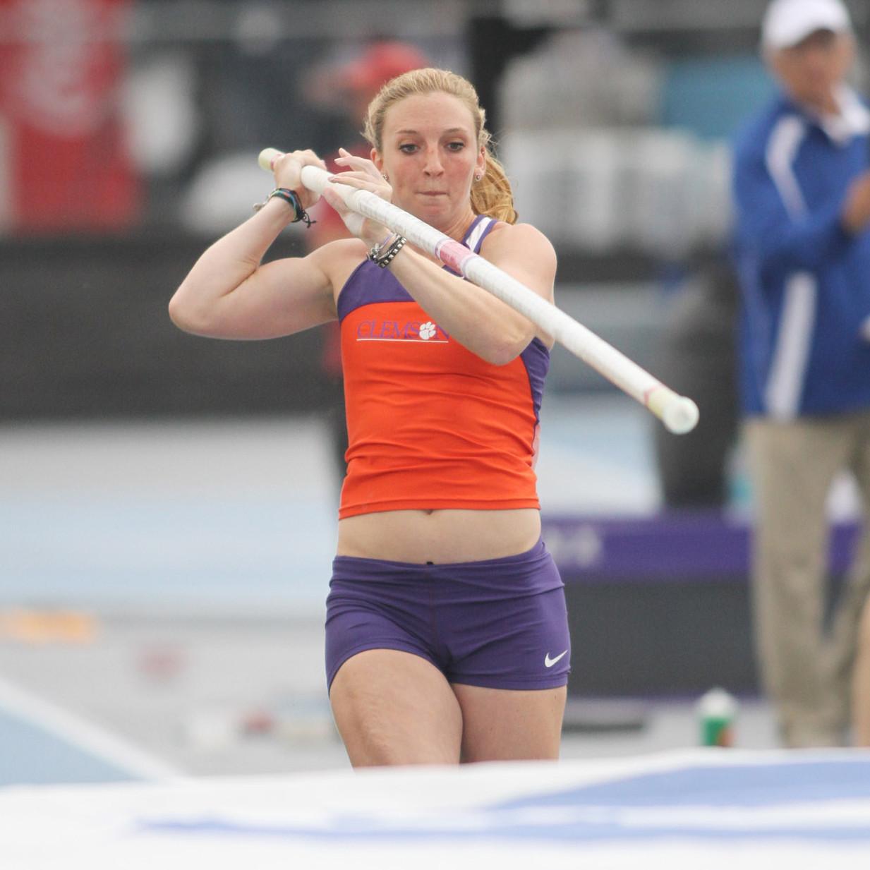 Terstappen Wins Vault at Penn