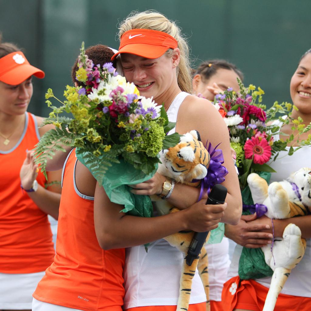 Women's Tennis || An Emotional Senior Day