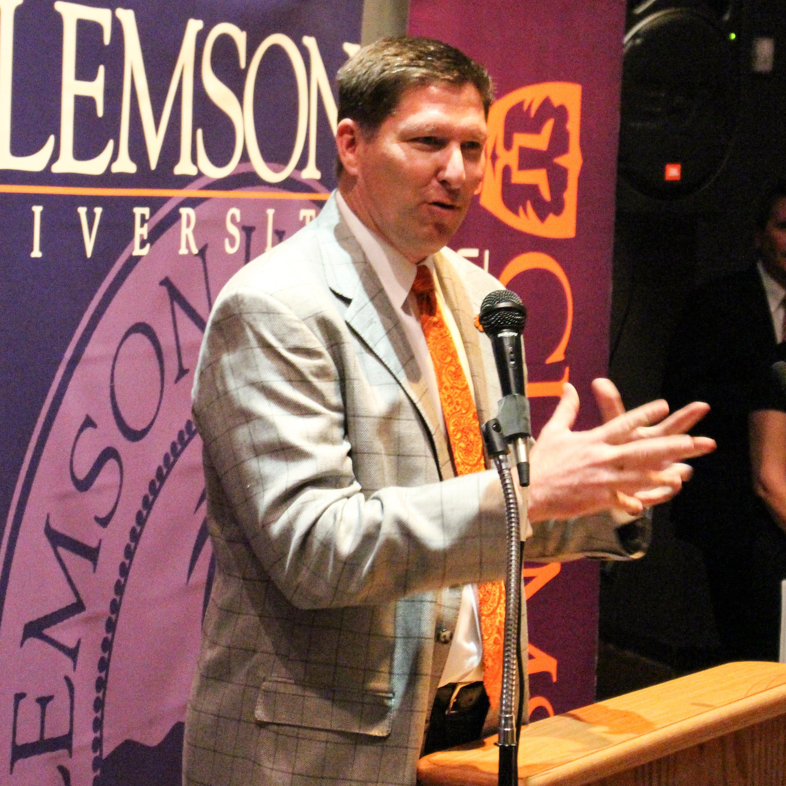 Brownell Speaks in Greenville