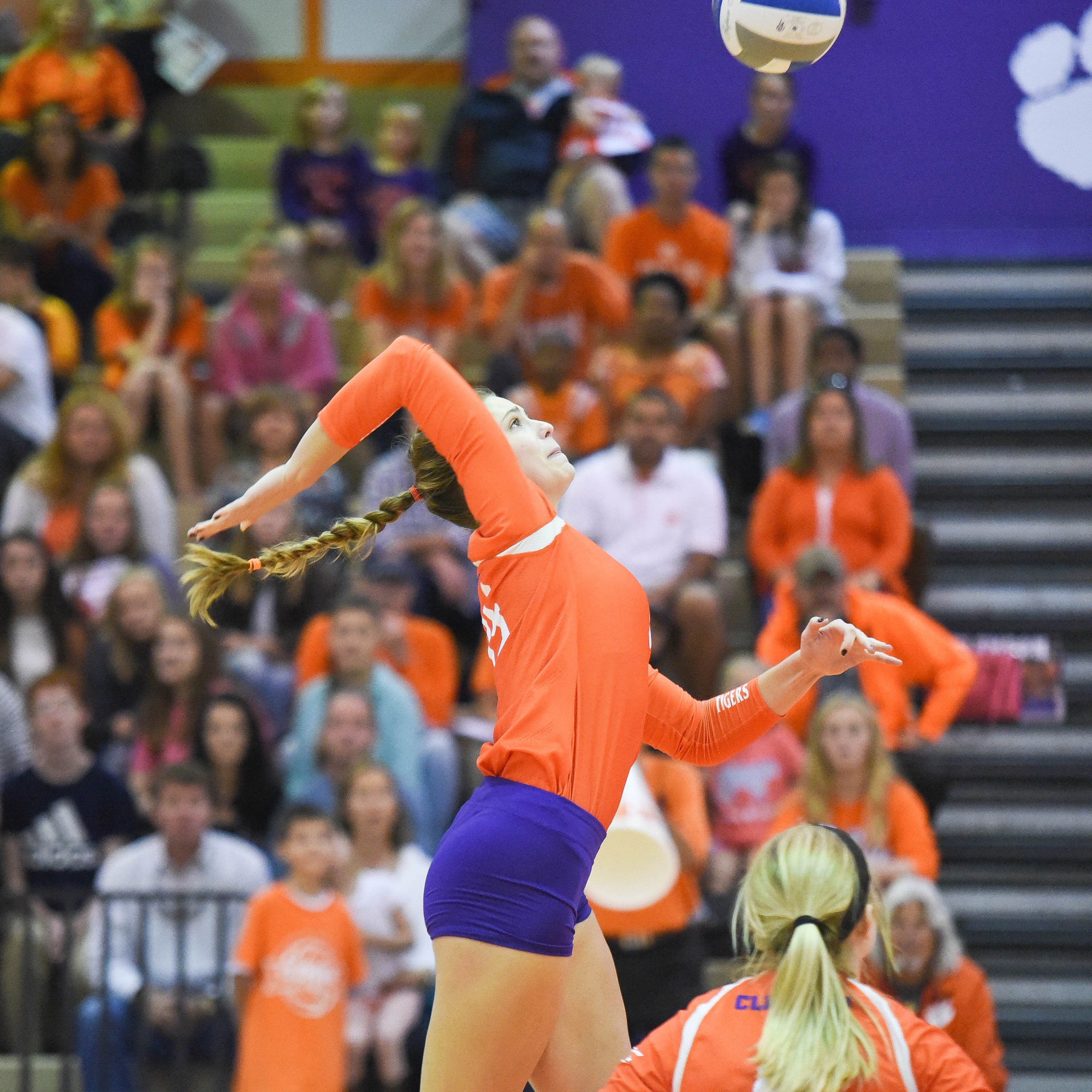 Clemson Falters In The Fifth To Notre Dame