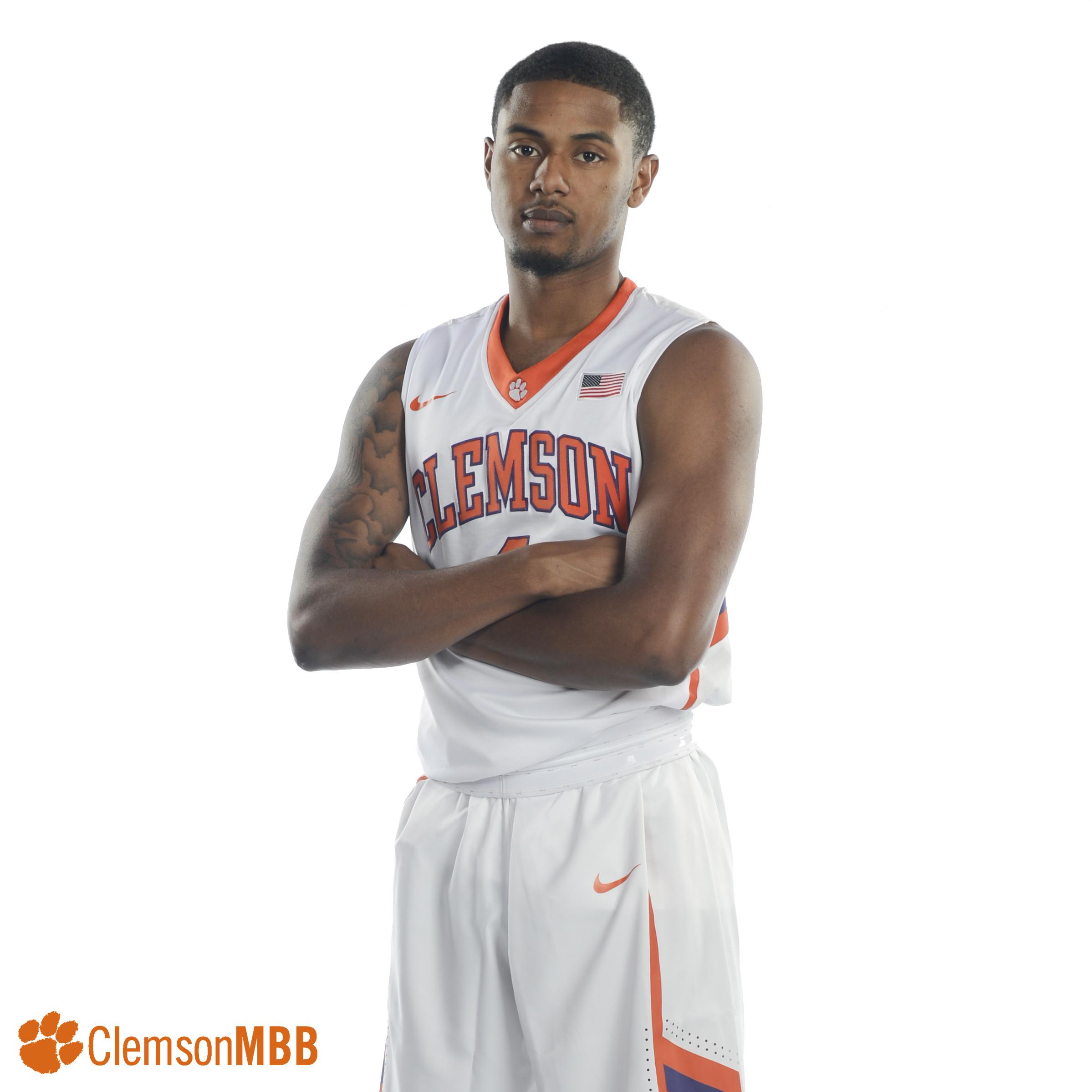 Men's Basketball || Meet Shelton Mitchell