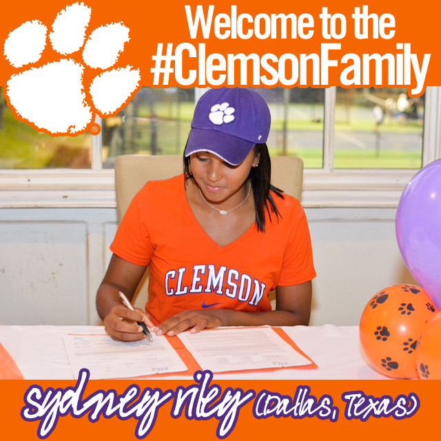 Riley Signs with Clemson Women?s Tennis