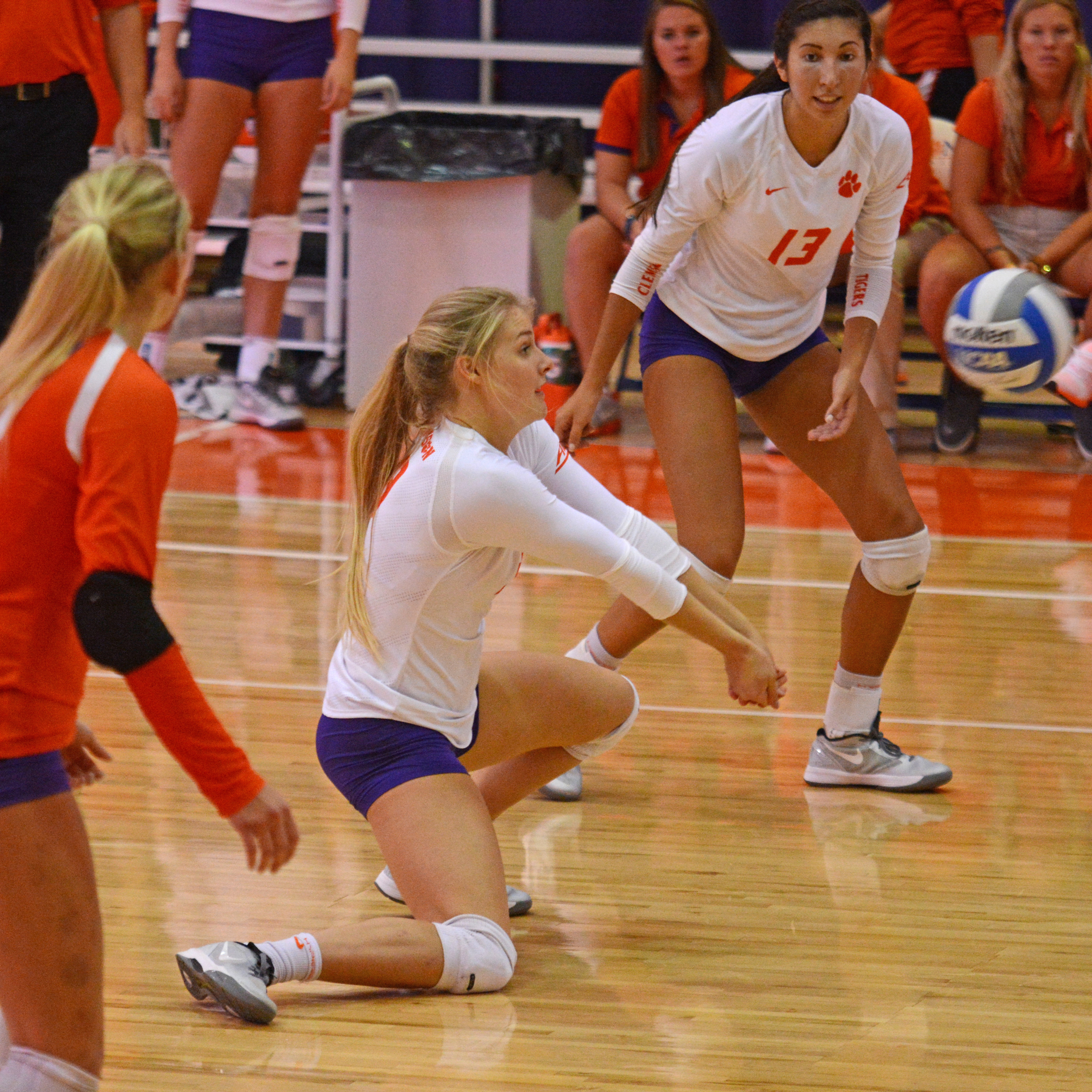 Clemson Falls To Notre Dame In Three