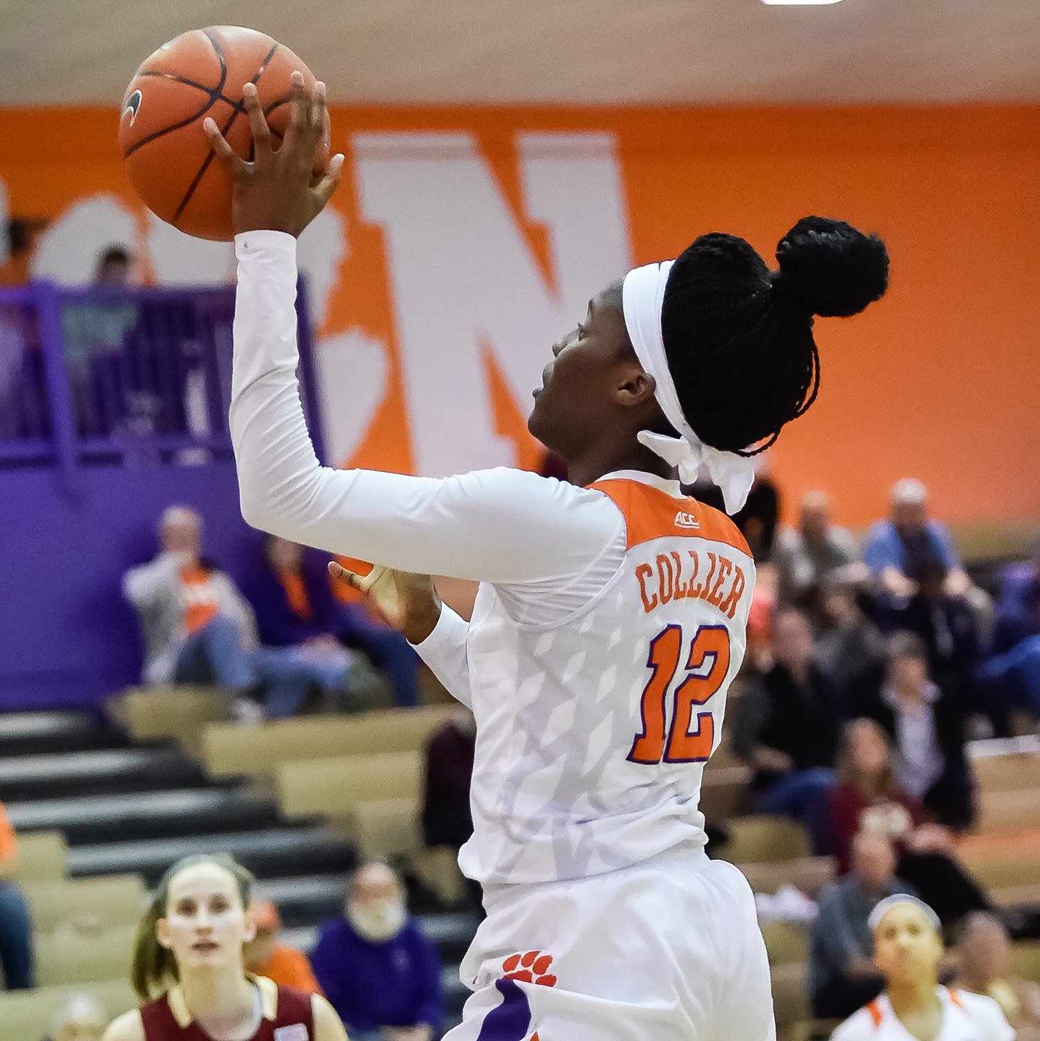 Collier Scores 18 in Tigers? Road Loss to No. 2/3 Notre Dame