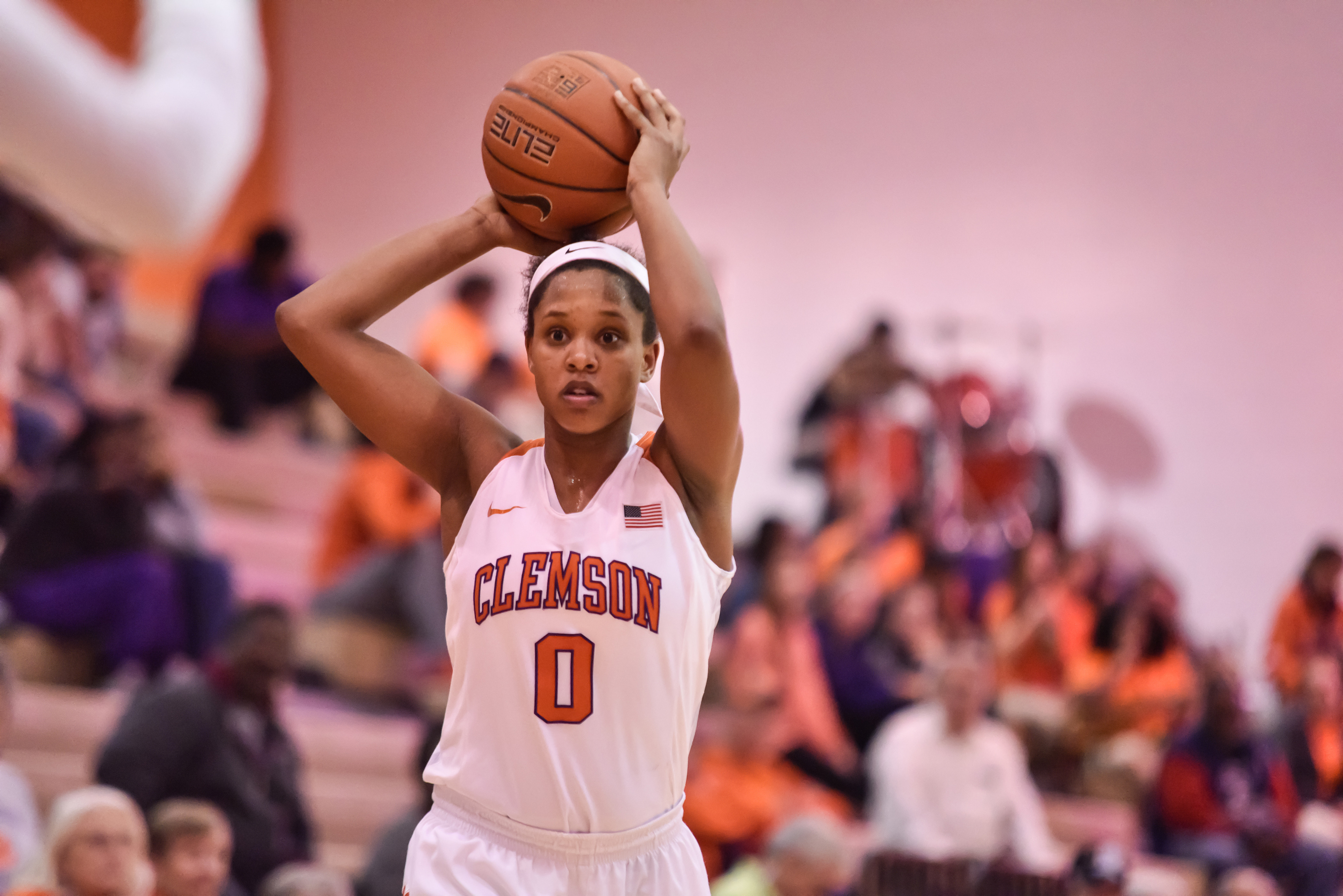 Perry?s Career Night Not Enough for Clemson