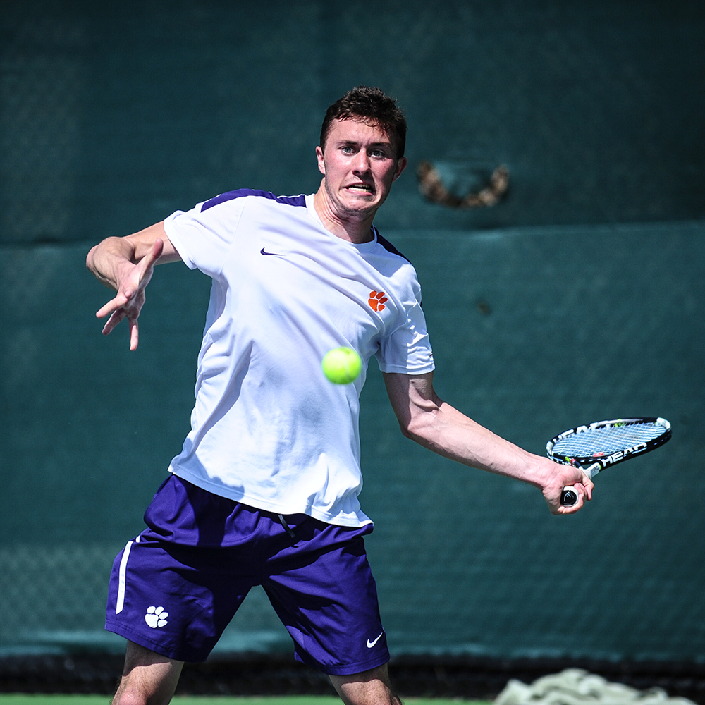 Tigers Fall at #1 North Carolina, Favrot Defeats #34 Singles Player Friday
