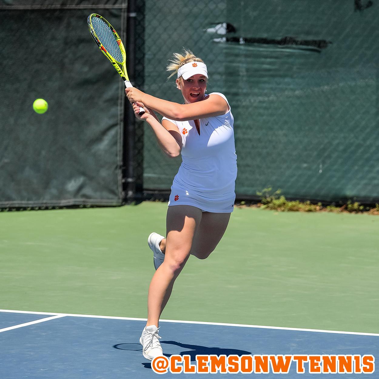 Eidukonyte Advances in NCAA Singles Championship