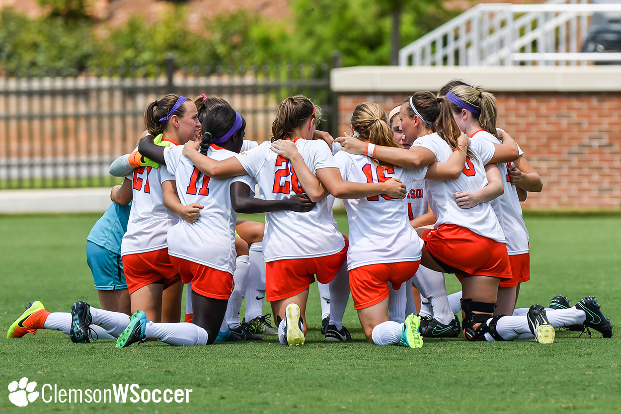 No. 9 Clemson Battles No. 13 Florida State to the Finish in ACC Semifinal, 'Noles Come Out On Top