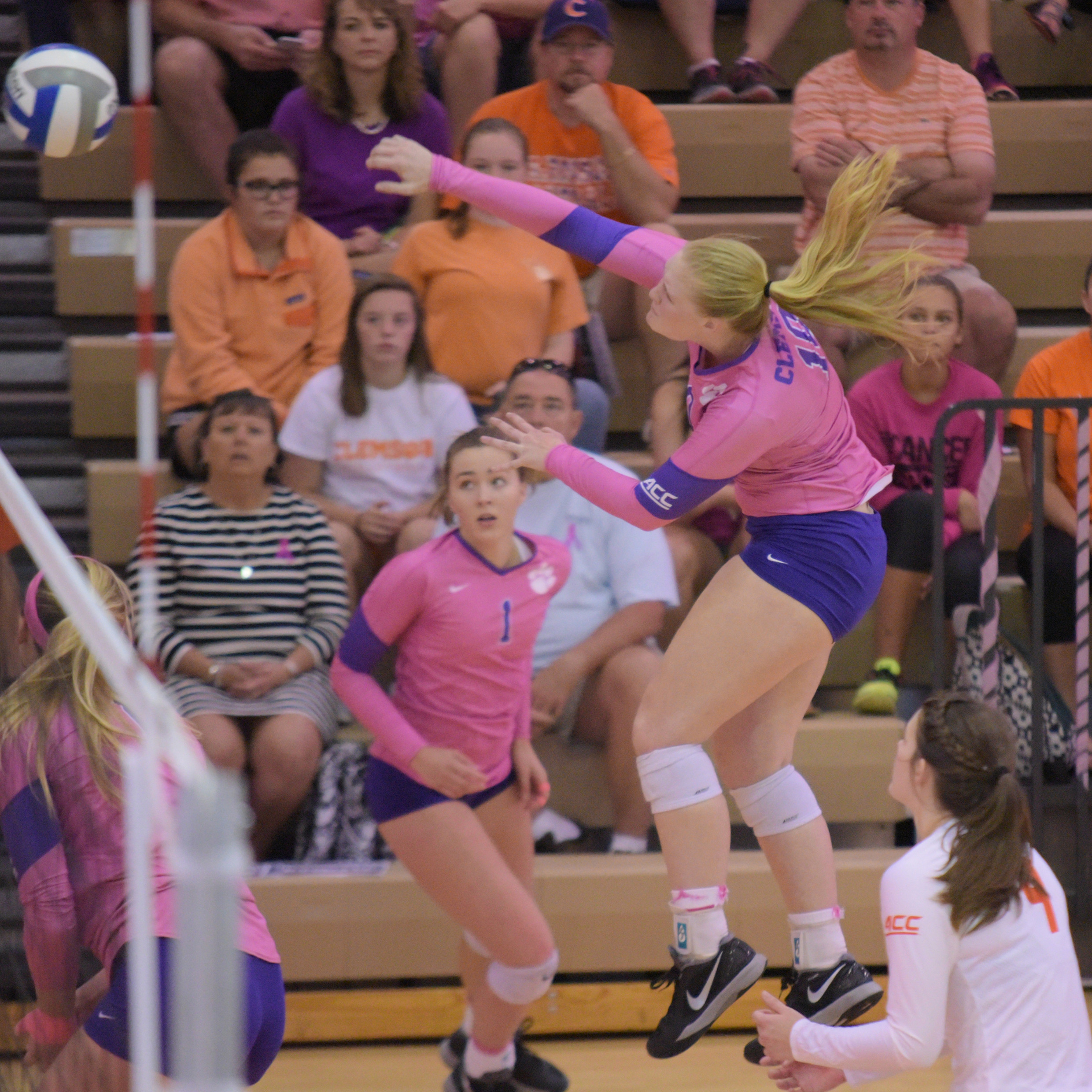 Wake Forest Comes Back To Defeat Clemson, 3-2