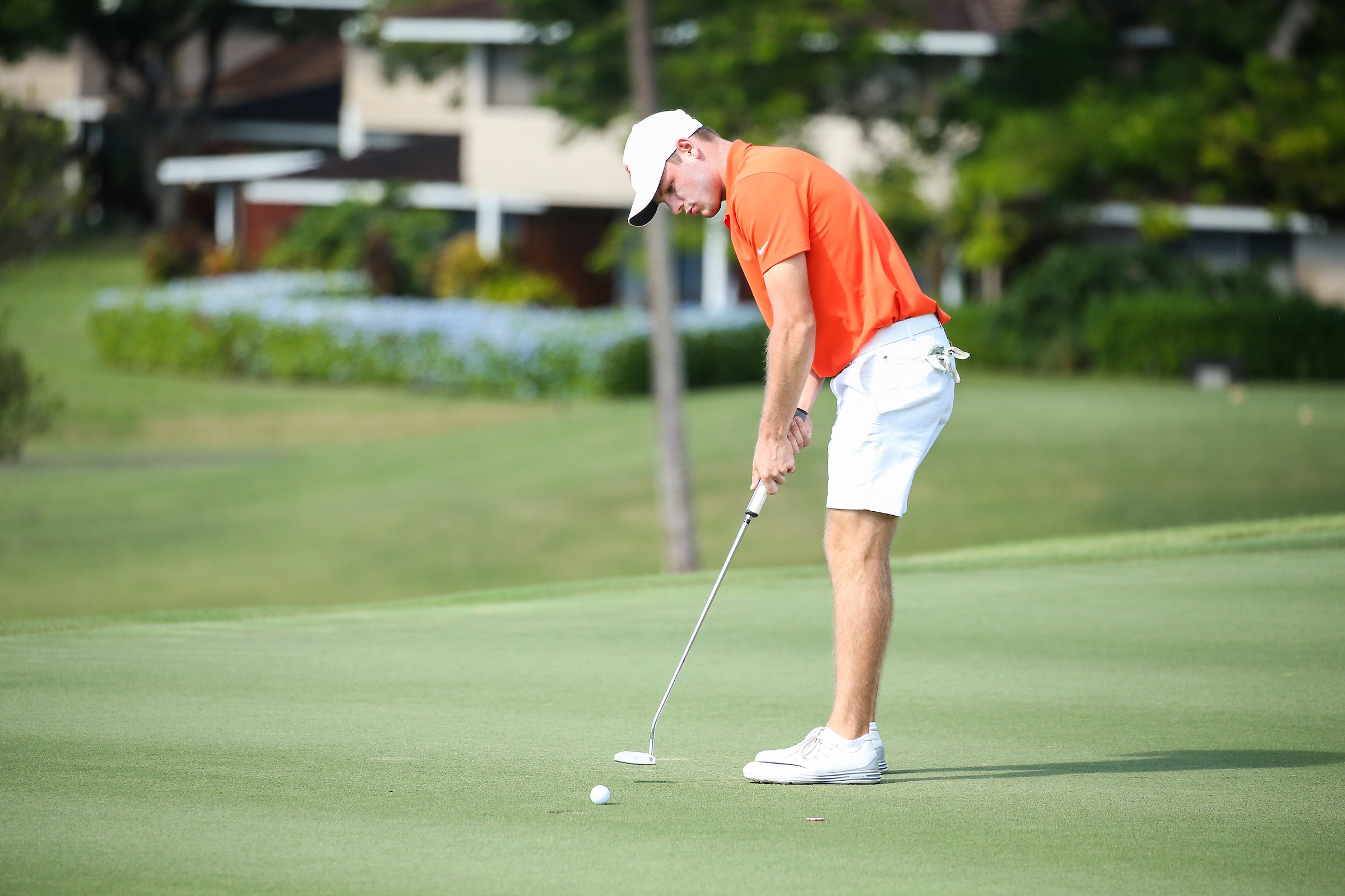 Redman Holds First Round Lead in Hawaii