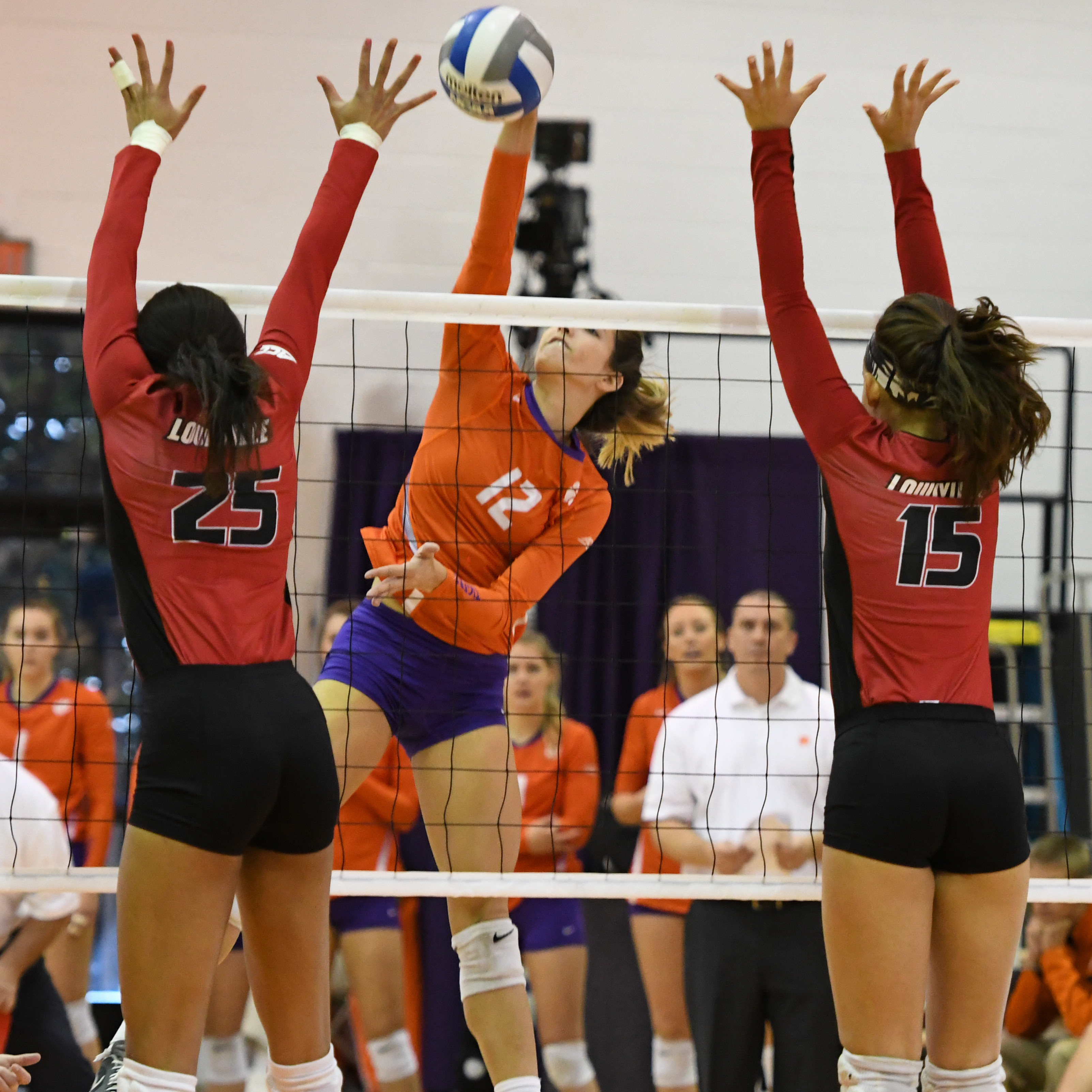 Clemson Falls In Home Finale, 3-0