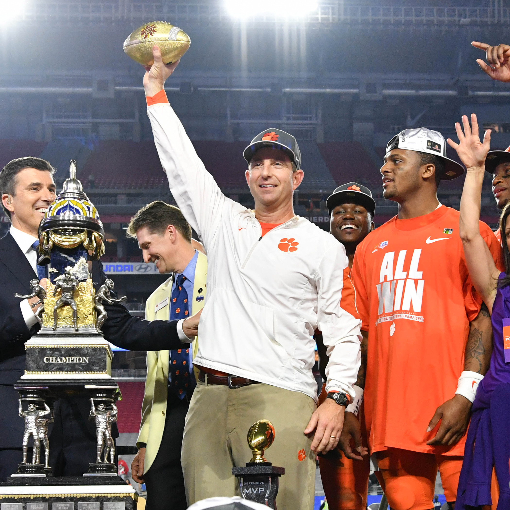 Swinney Wins Bear Bryant Award