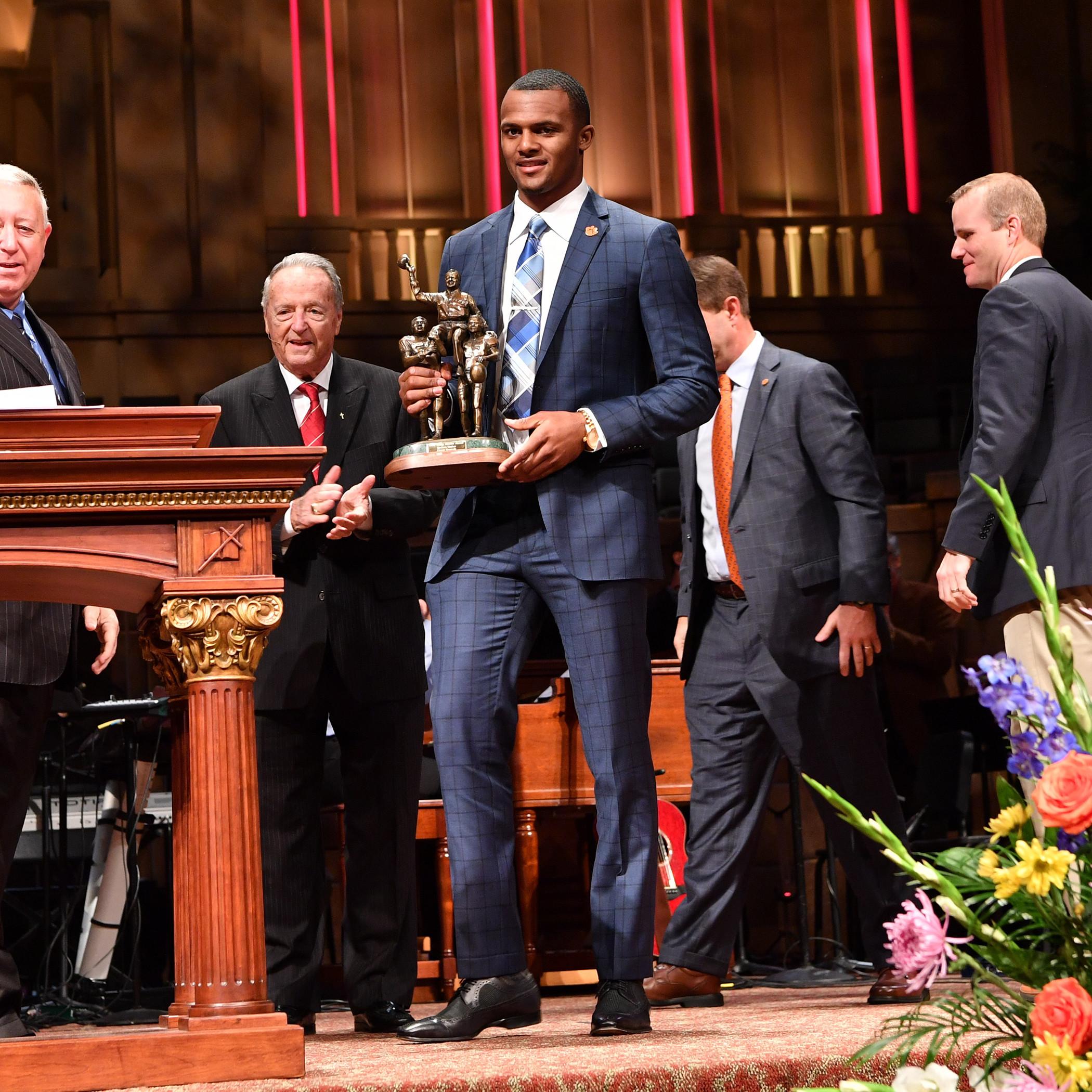 Watson Wins Bobby Bowden Award