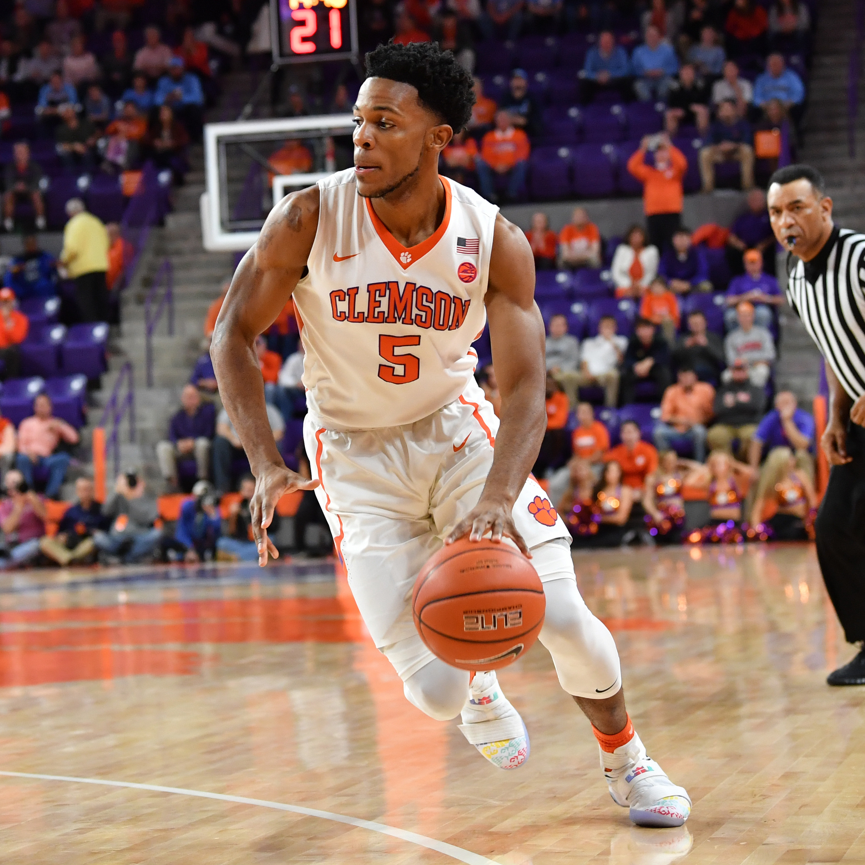 Tigers Fall in OT Thriller, 89-86