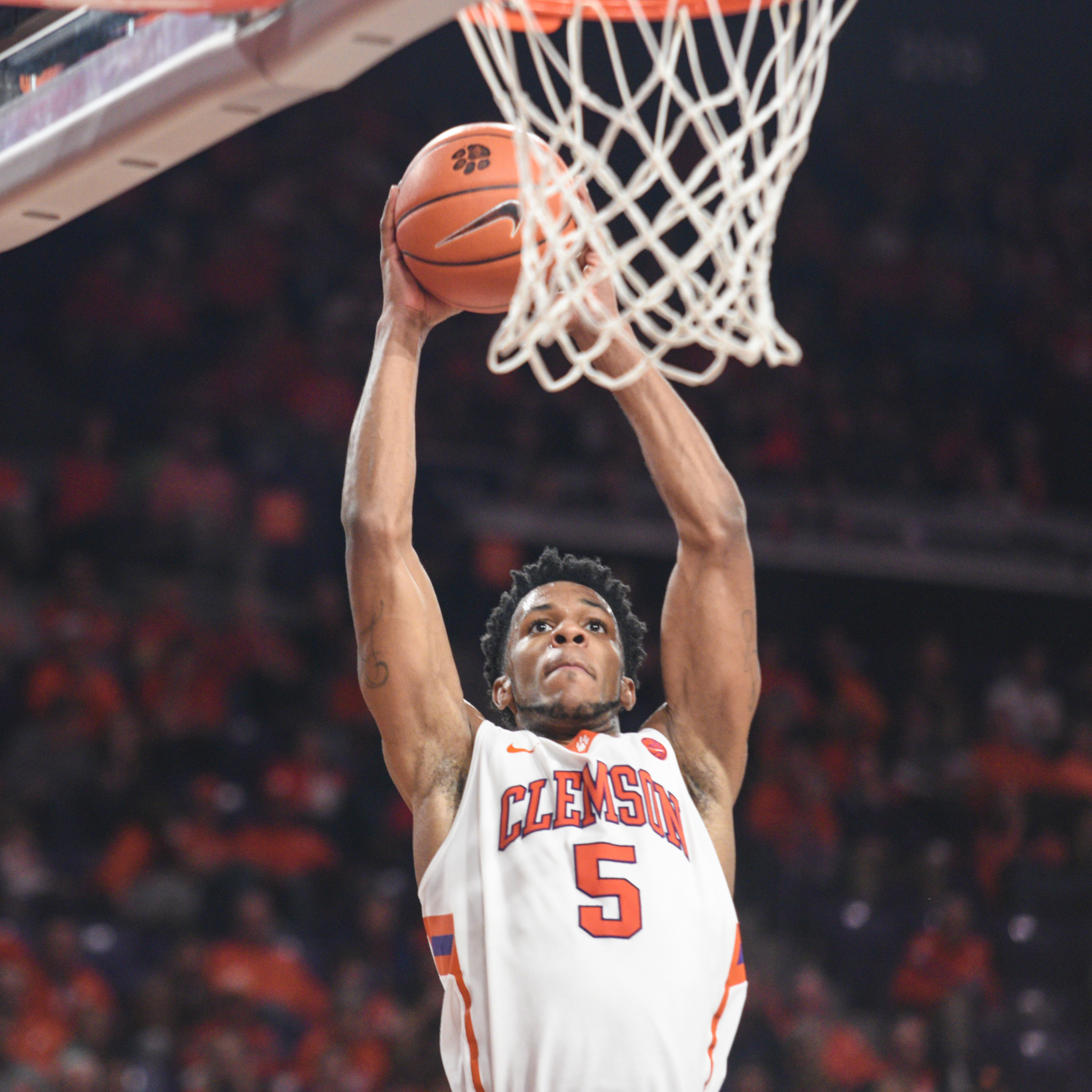 Clemson Falls to No. 18 Virginia, 77-73