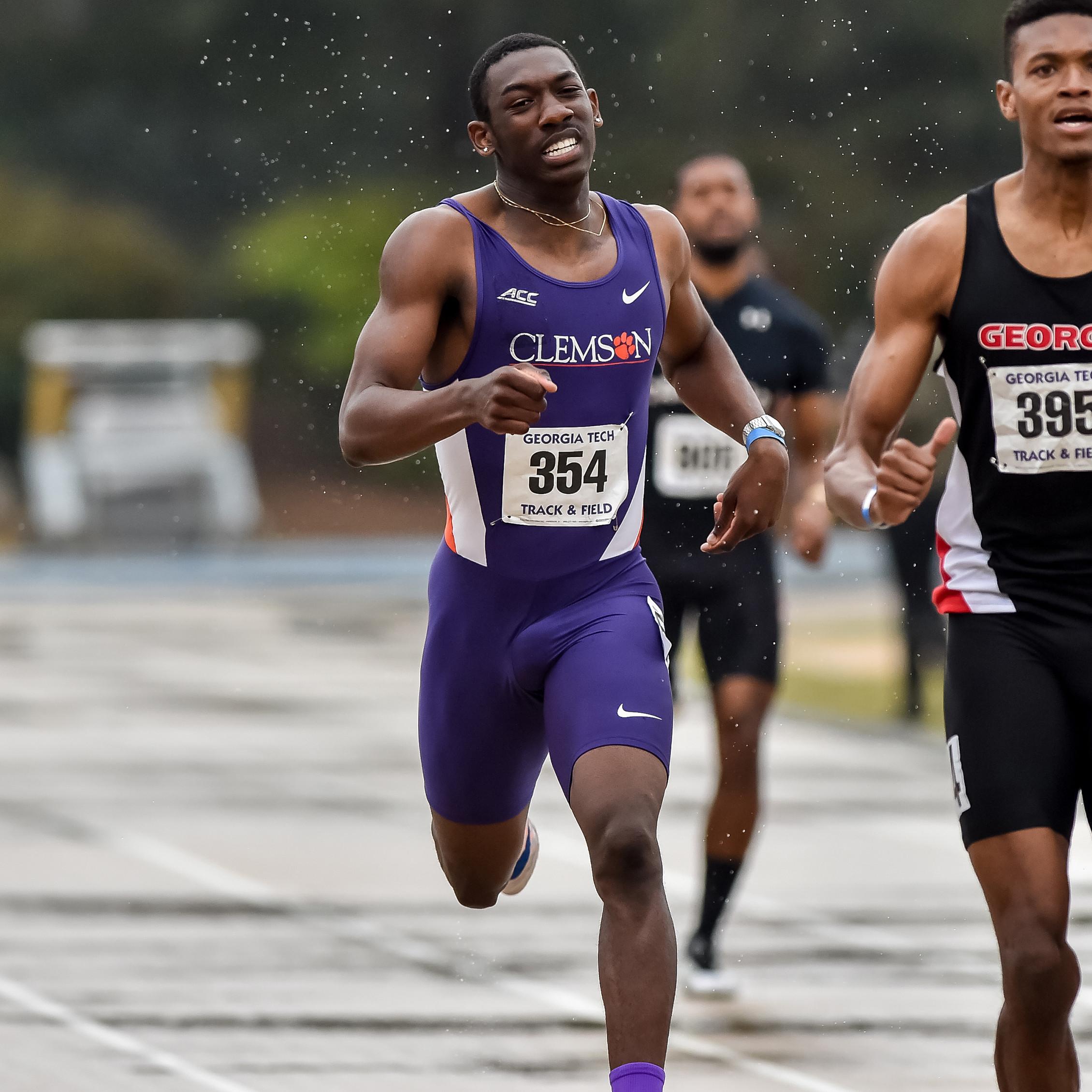 Green, 800 Runners Highlight Hurricane Invite