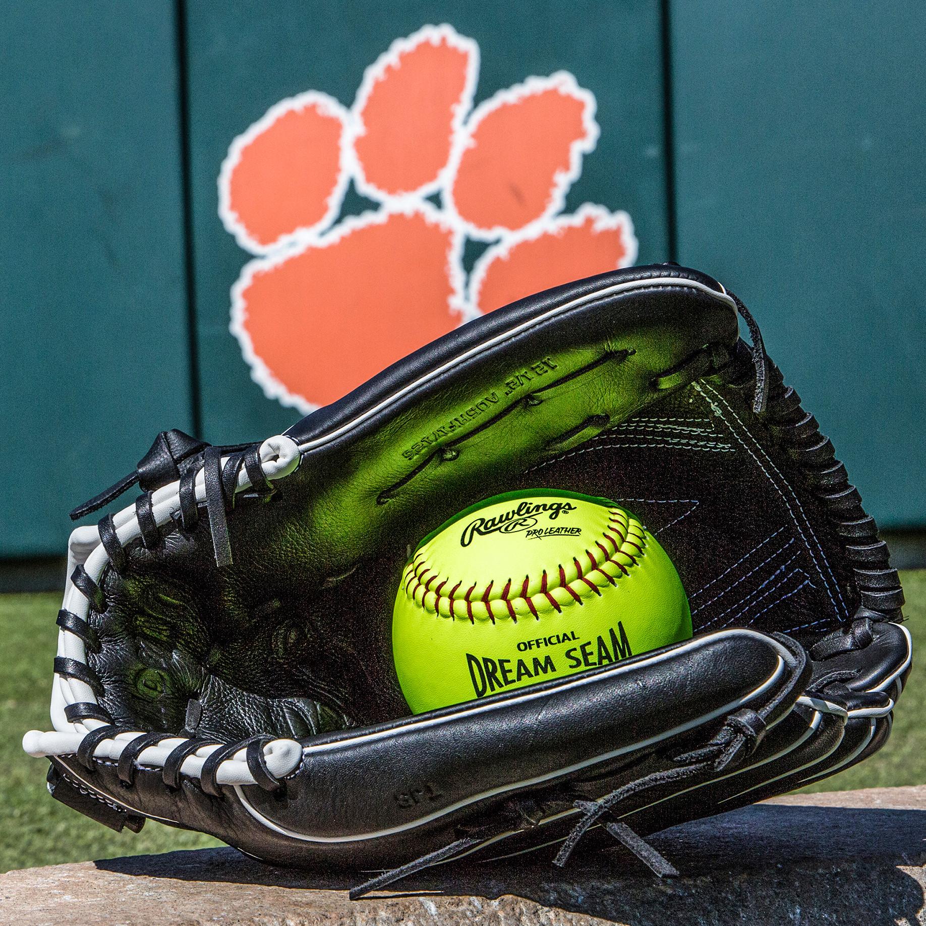 Spotlight – Clemson Softball