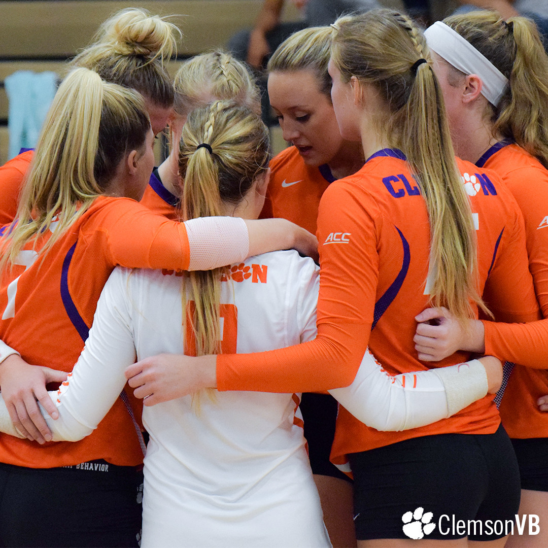 Volleyball Falls 3-1 to Texas Tech