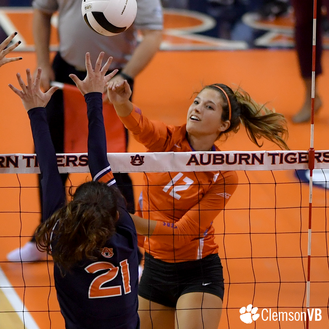 Volleyball Drops Finale at Auburn