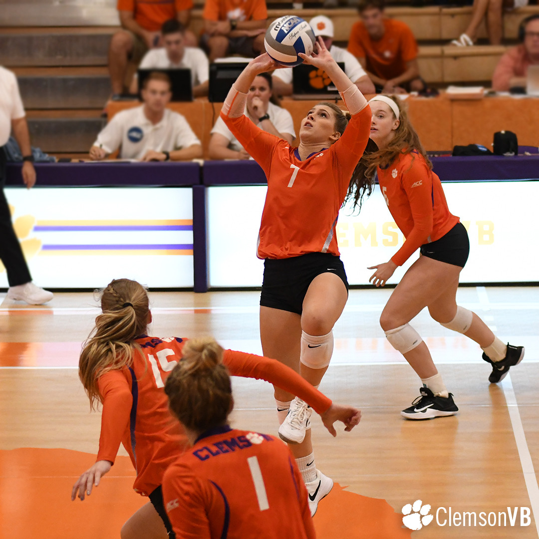 Volleyball Splits At Clemson Challenge Saturday Clemson Tigers Official Athletics Site