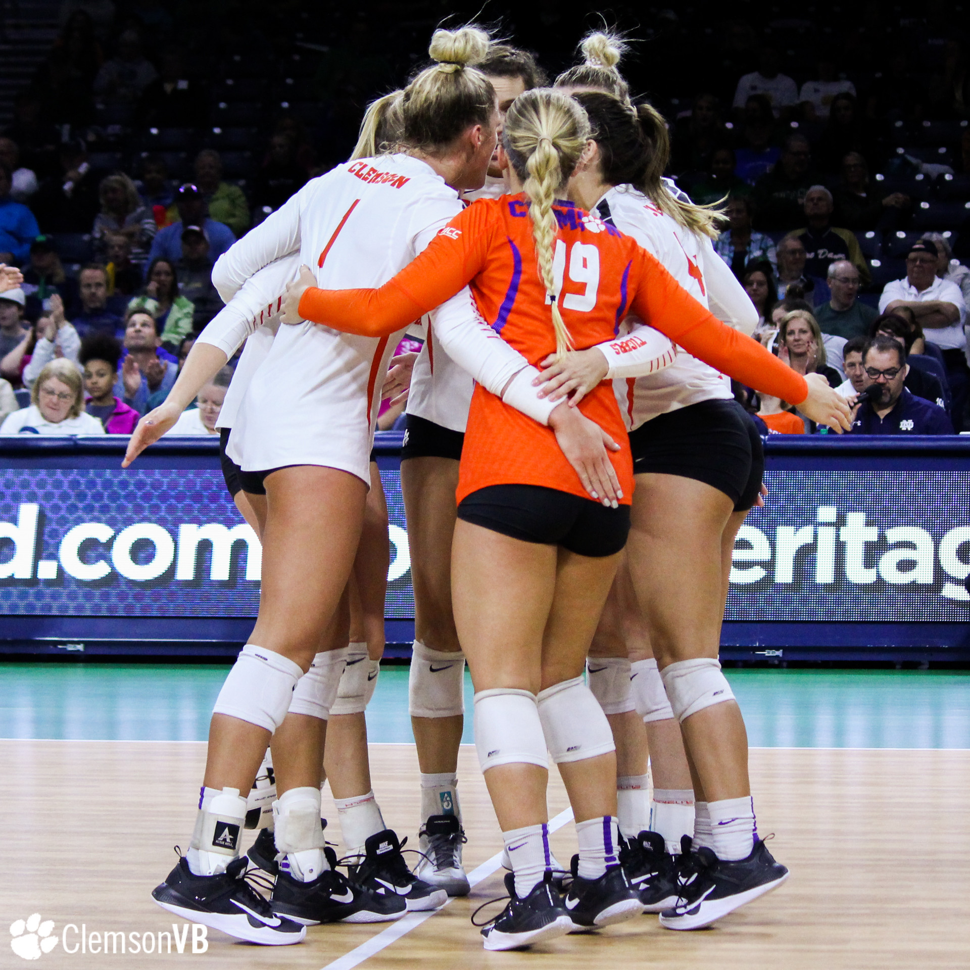 Volleyball Falls at Notre Dame Sunday