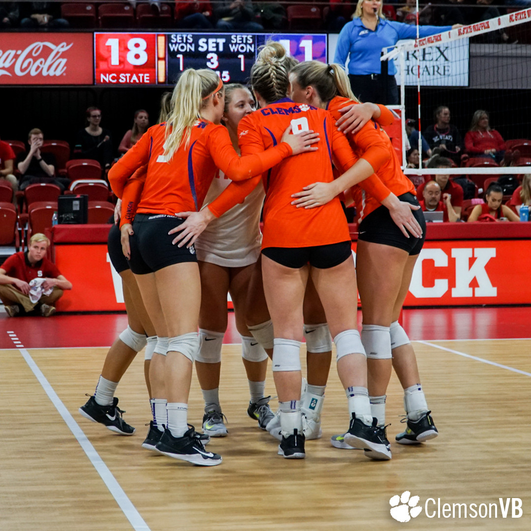 Volleyball Falls 3-1 at NC State Thursday