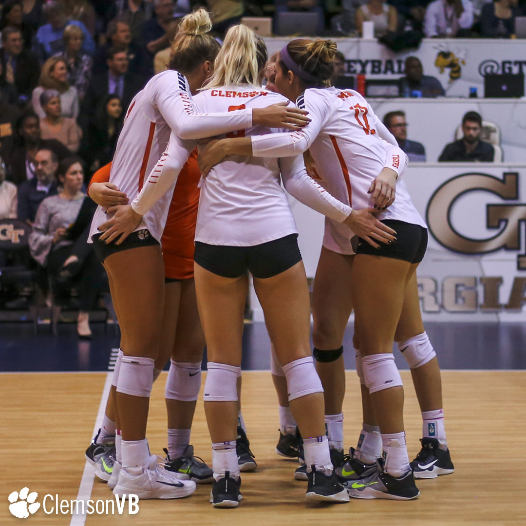 Volleyball Falls at Ga. Tech Wednesday