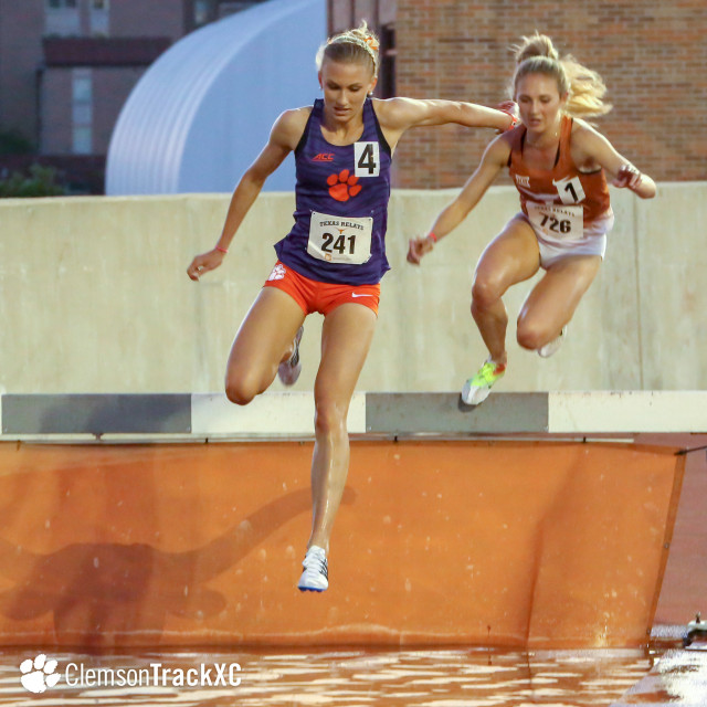 Morris Wins Steeplechase in Dramatic Fashion