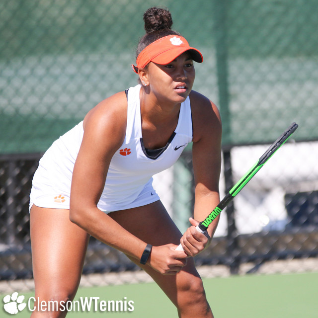 Tigers Drop 5-2 Decision to Orange On the Road Friday