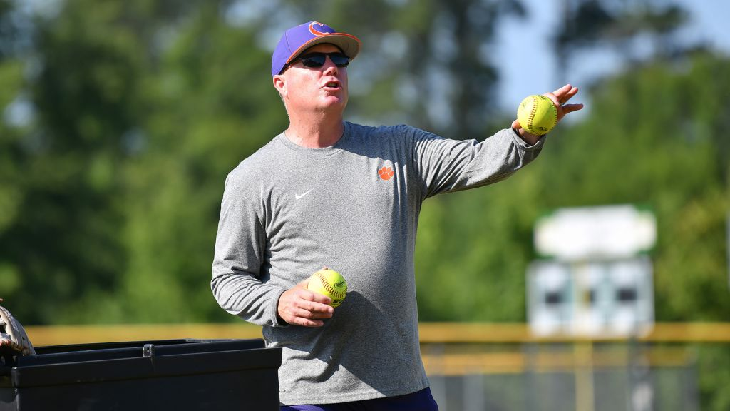 Clemson Softball to Hold Tryout Sept. 11
