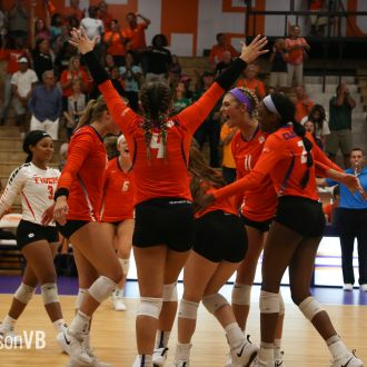Volleyball Opens Big Orange Bash With Win Over UAB