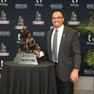 Tony Elliott – 2017 Broyles Award Winner