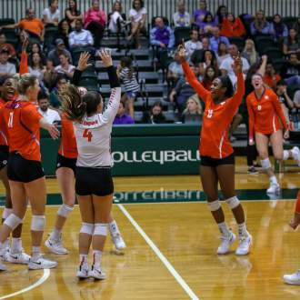 Volleyball Pours It On In Sweep Over Hurricanes