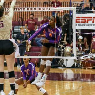 Seminoles Edge Clemson in Four Sets Sunday