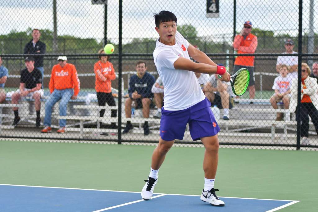 Men's Tennis Sends Six to Three Tournaments