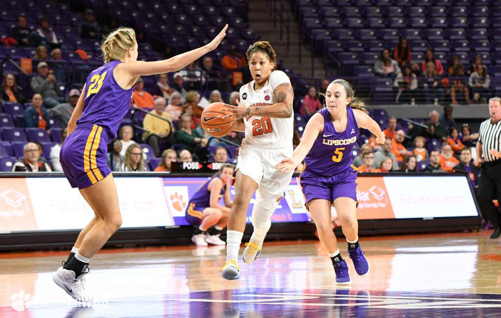 Tigers Stampede Past the Bisons, Improve to 2-0
