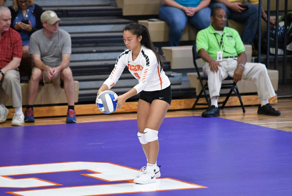 Volleyball Welcomes Virginia, Pitt